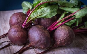 health benefits of beet leaves